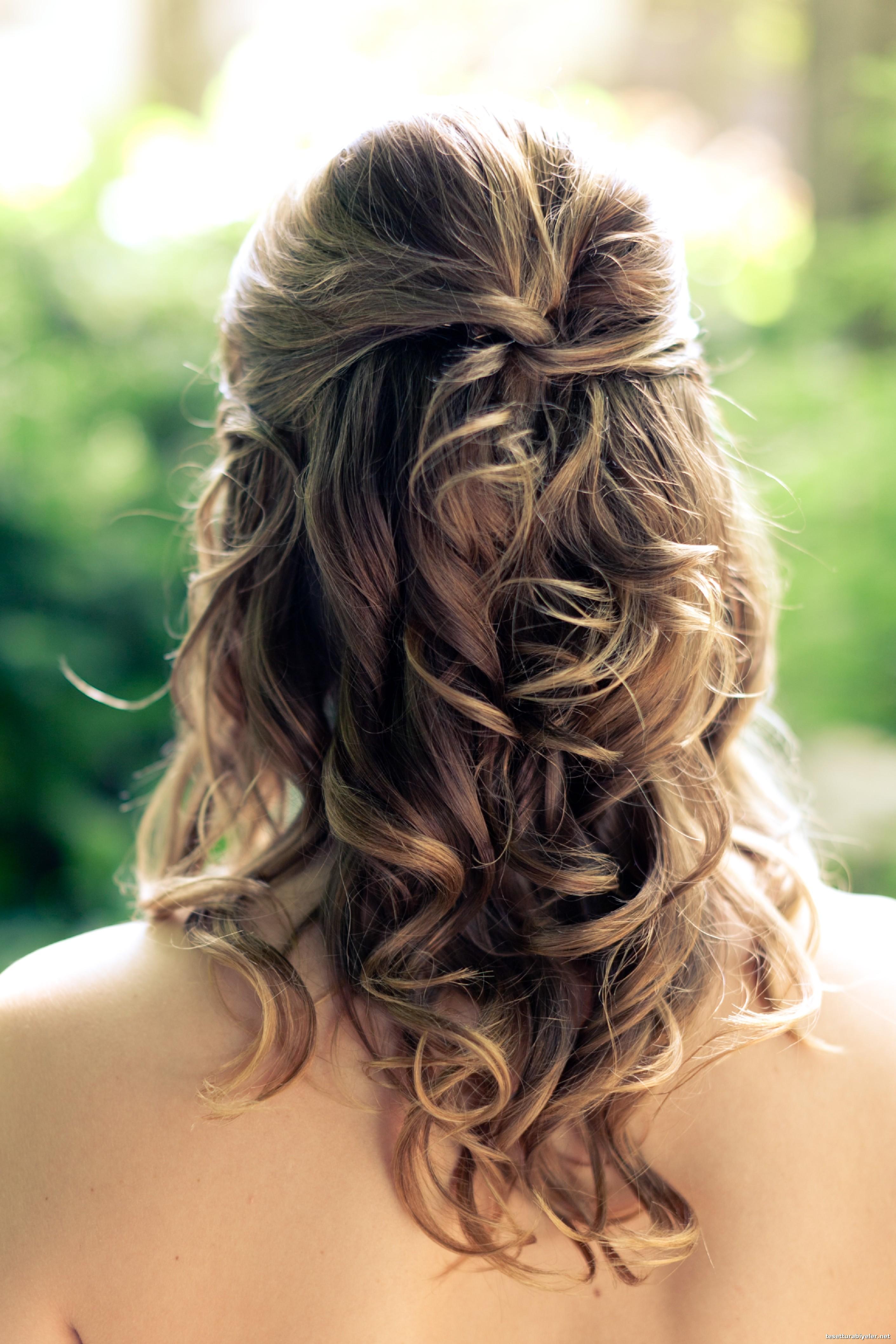 Abiye Yandan, Salık, Aksesuarlı Saç Modelleri
